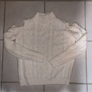 White Sweater w Shoulder Cut Outs Size Small